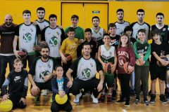 Plantilla sènior B amb jugadors/es del bàsquet base de l'Arenys